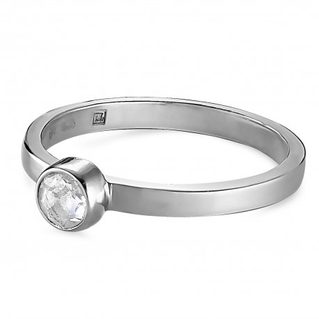 Silver ring with solitaire