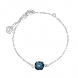 Bracelet with blue quarz in silver