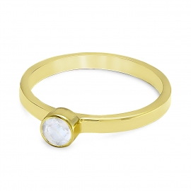 Solitaire ring with moonstone - gold plated